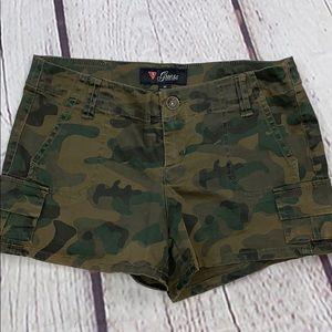 UEC Guess camo short shorts size 25